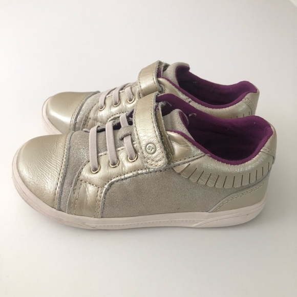 Stride Rite Other - Stride Rite Perri Girls Shoes in Champagne 10W